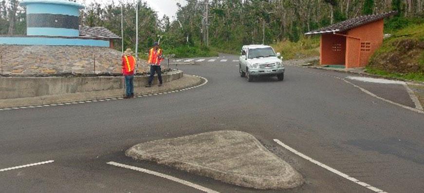 Diseño de carretera de la parte este de la isla de dominica (43.3 km)